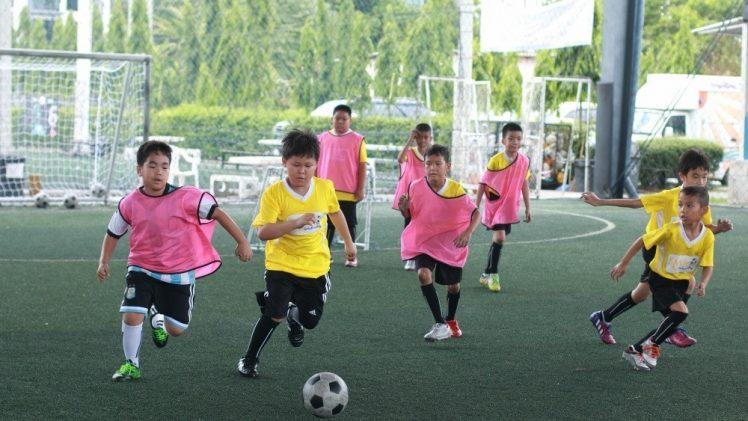 ฟุตบอลไทย กีฬาสุดฮิตที่เด็กไทยก็พัฒนาได้ดีขึ้น